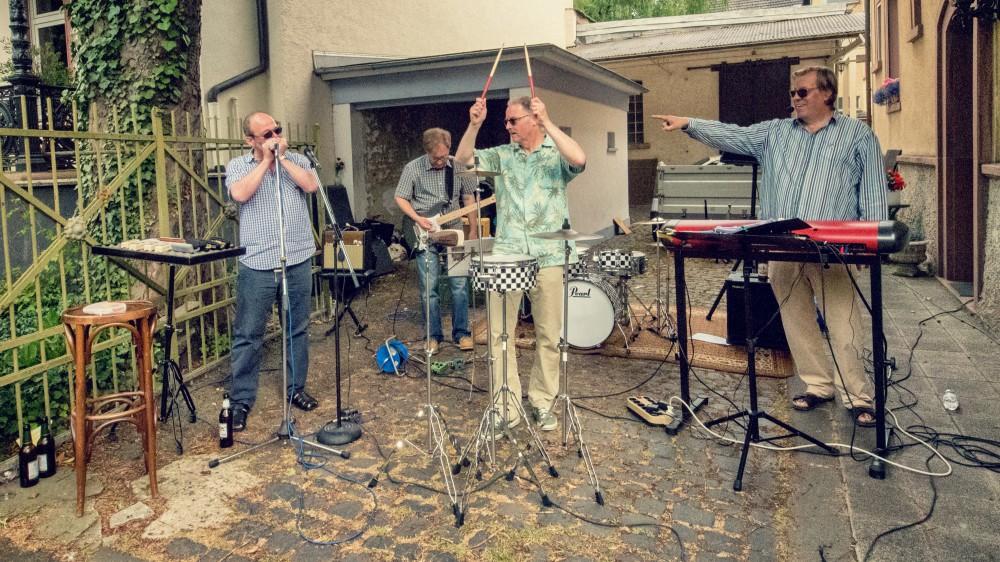 "BLUESDOCTOR bei ""Fluss mit Flair"" 2017 in Gießen"